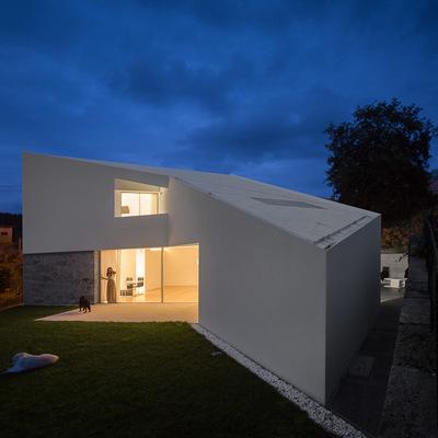 Projeto de arquitetura com design inovador