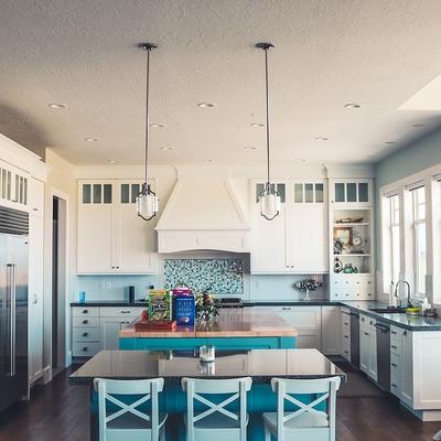 Cozinha com armários pintados
