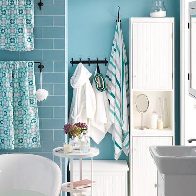 Casa de banho com pintura de interior moderna