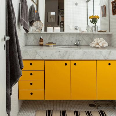 Pintar os móveis da Casa de Banho
