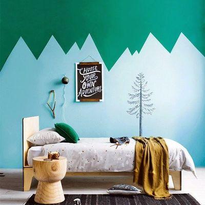 Pintar para alegrar o quarto das crianças
