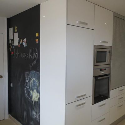 Pintar frigorífico com tinta ardósia