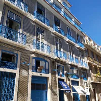 Lavagem e pintura de fachada exterior de prédio