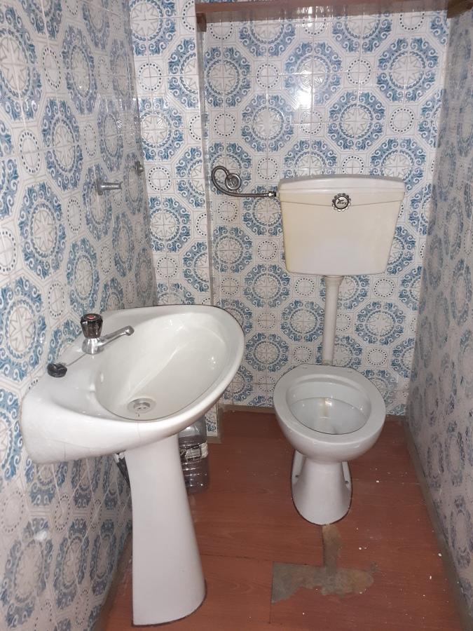 WC loja antes de remodelação