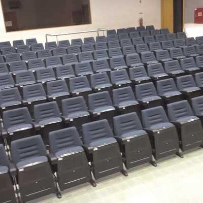 Estofamento cadeiras auditório