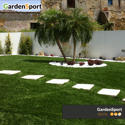 Jardim em relva sintética - Sobreda da Caparica