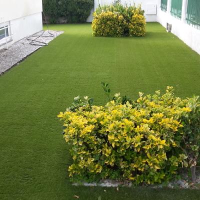 Jardim em relva sintética - Oeiras