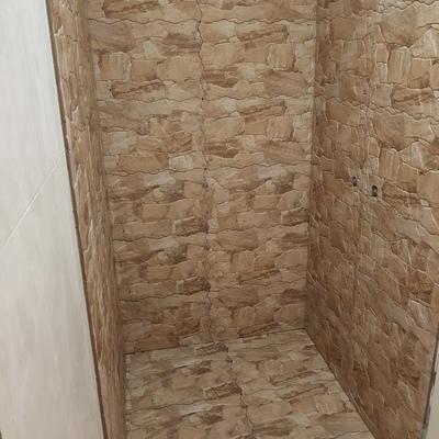 Construção de base de chuveiro