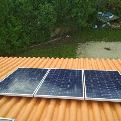 Instalação de 3 painéis em telhado