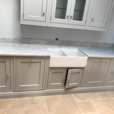 Bancada de Cozinha em Branco Carrara