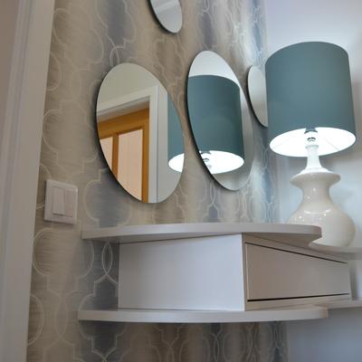Pormenor de espelhos ; hall de entrada
