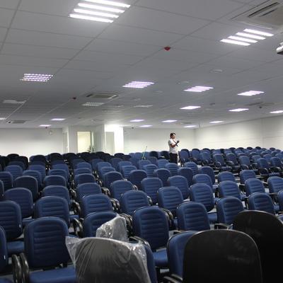 Tecto modular e auditorial