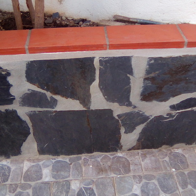 Forrar muro em pedra e invervizar