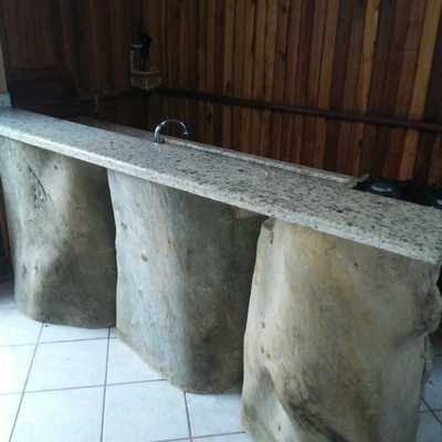 Pia de troncos de arvores
