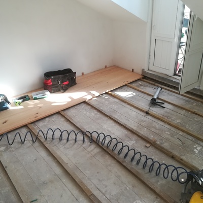 Colocação pavimento de madeira