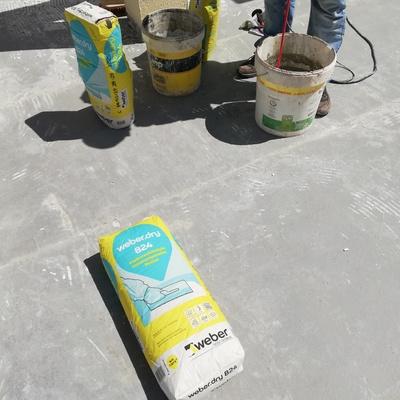 Produtos a serem aplicados na impermeabilização.