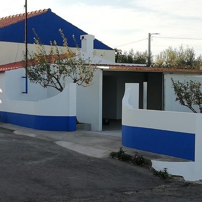 Pintura de muro e cozinha com garagem