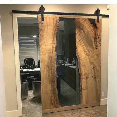 Portas de correr em madeira e resina Epoxy