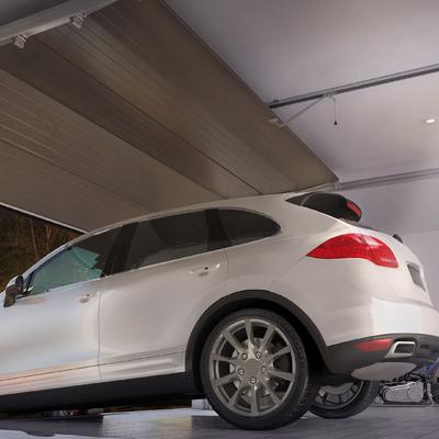 Motor e portão de garagem