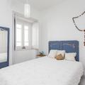 O quarto em tons de azul