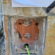 Preparação do pilar para chumbar a caixa de embutir