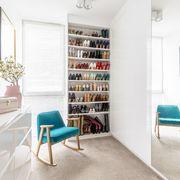 Roupeiro por medida: espaço próprio para sapatos