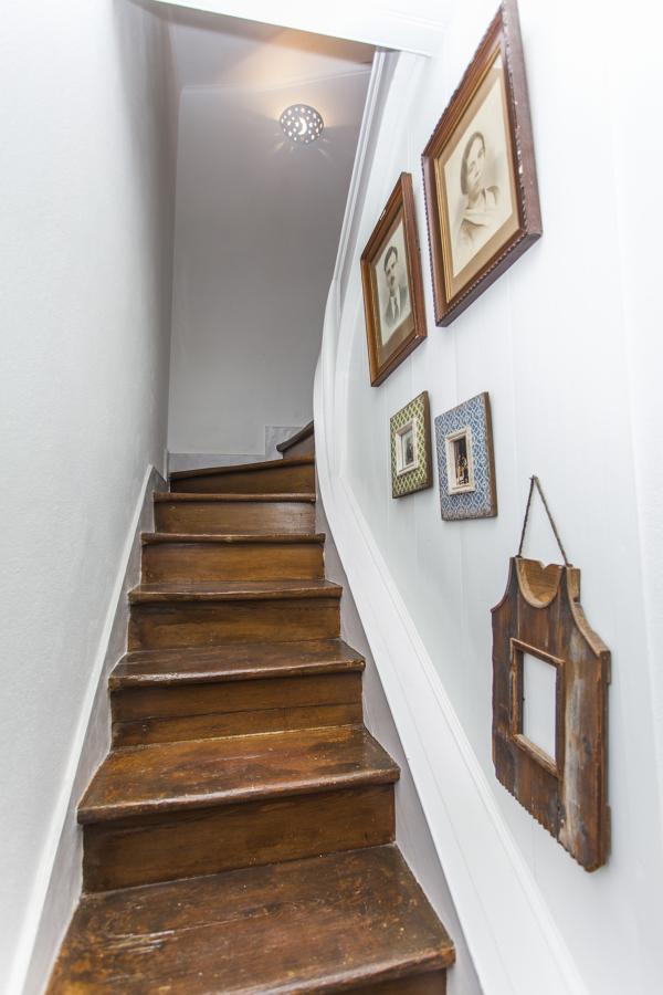 As escadas para o piso superior