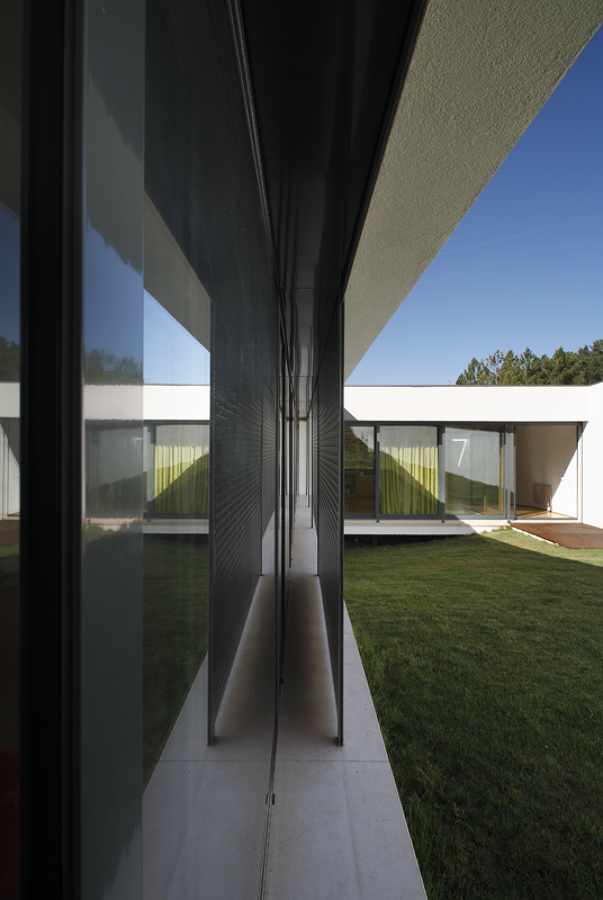 Casa em Almalaguês - caixilharias