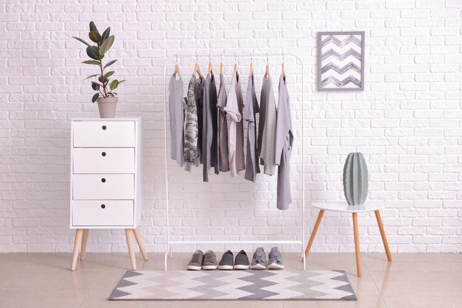Como organizar a roupa no roupeiro