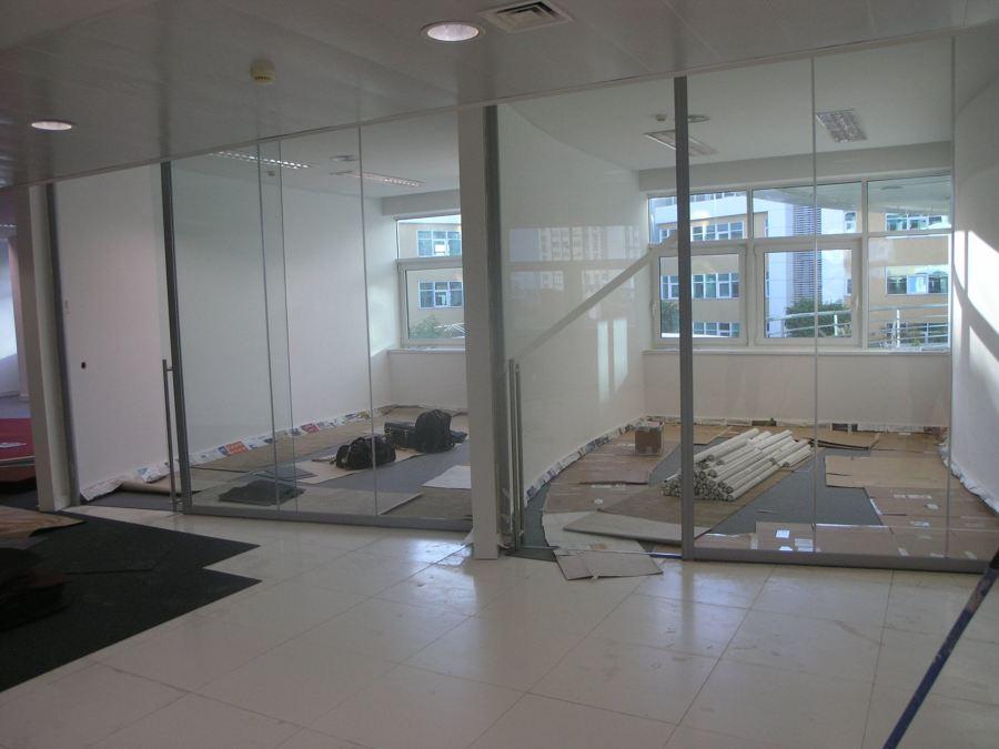 divisórias de vidro escritório