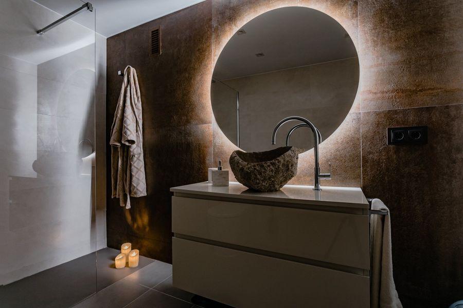 Exemplo de iluminação LED na casa de banho