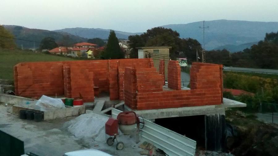 levantar paredes e antes dos pilares