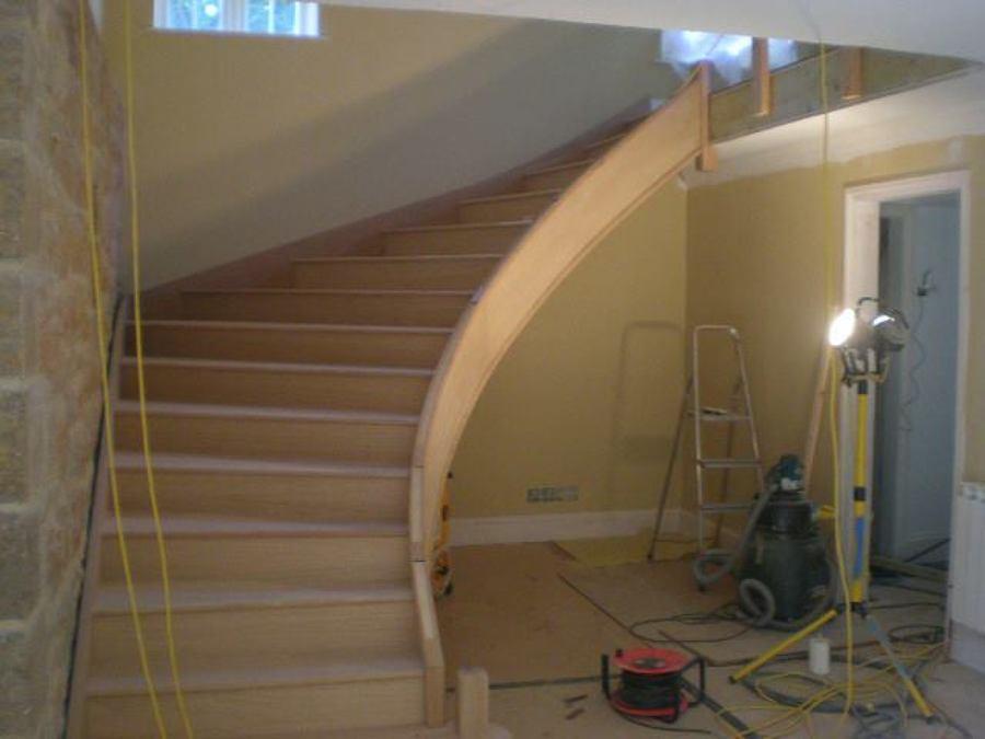Montagem escada curva.jpg