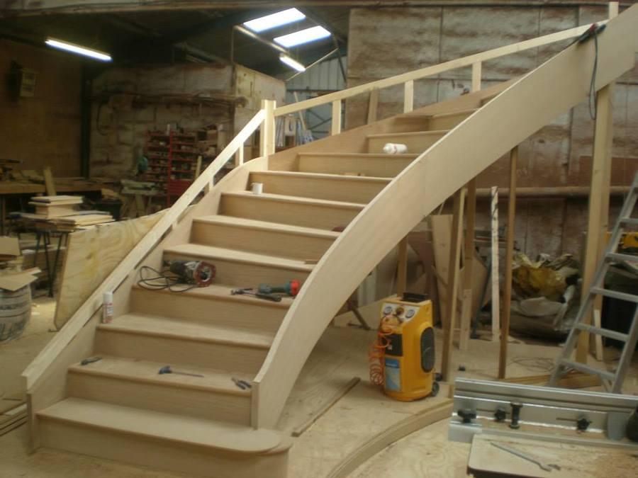 Fabrico escada curva1.jpg