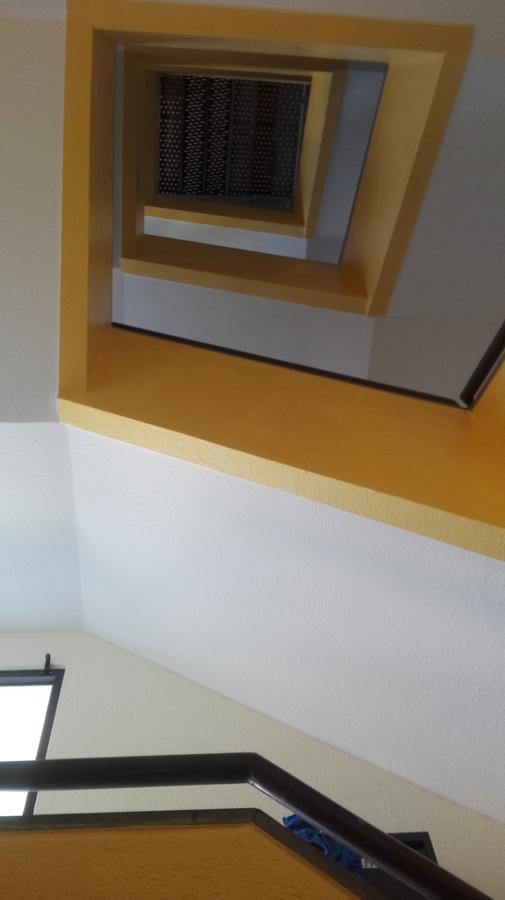 pintura geral em escadas e entrada de prédio
