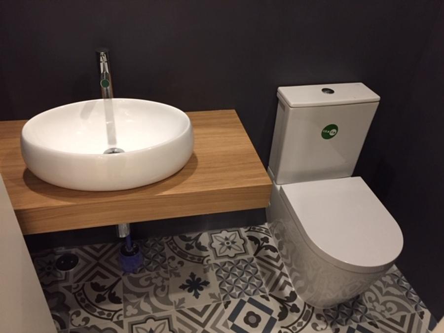 Renovação de WC de serviço