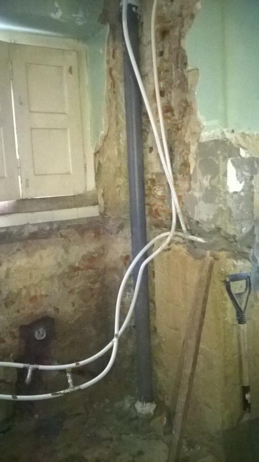 reparação e substituição de prumada da canalização de esgoto