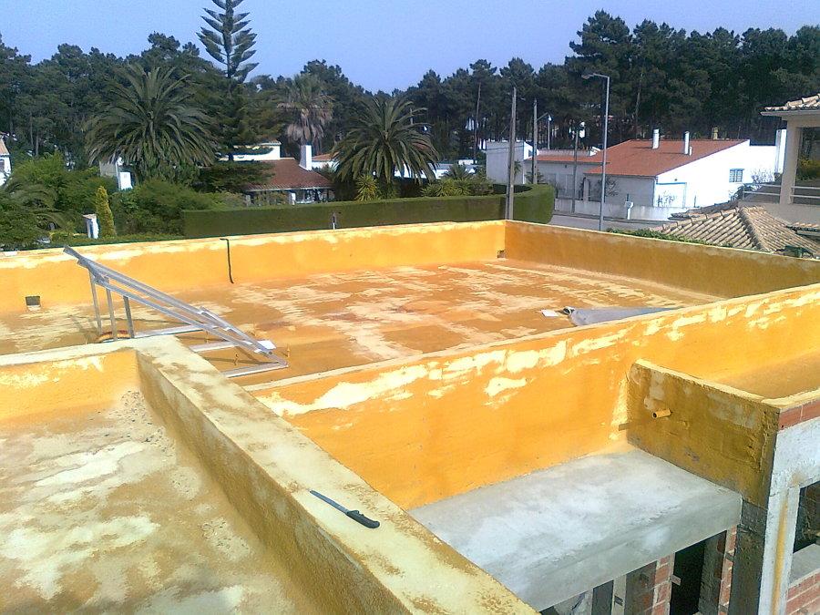 Terraços de moradia em construção isolados com poliuretano