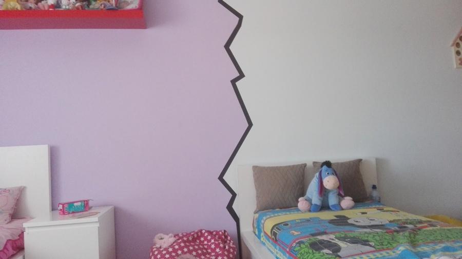 Um quarto de um casal de bebés