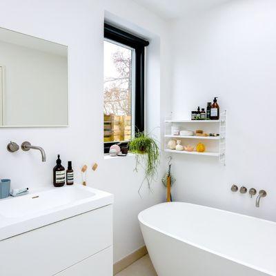 7 truques de decoração para que a sua casa de banho pequena pareça de luxo