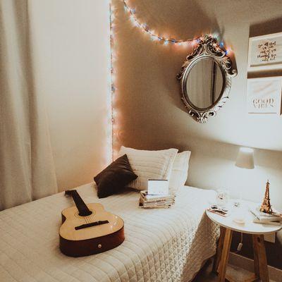 Faça você mesmo uma mesa de apoio para o seu quarto