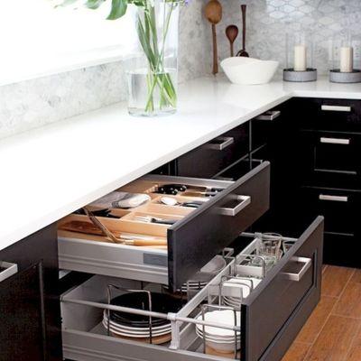 6. A grande capacidade de armazenamento, das gavetas
