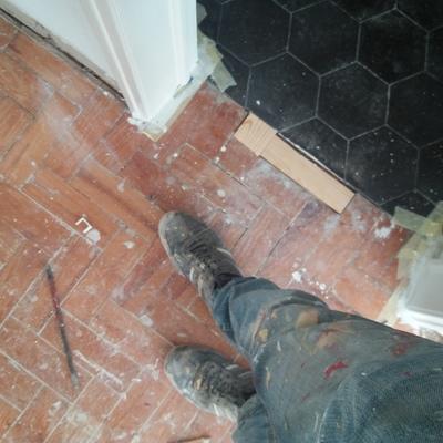 Reparaçao de pavimento em taco 21 pinho