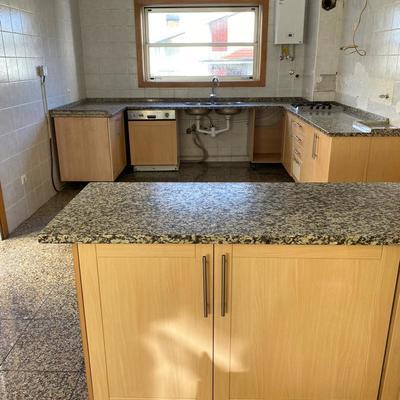 Remodelação de uma cozinha com 20 anos de uso