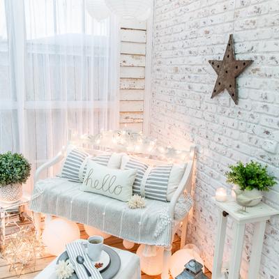 Como aproveitar o verão dentro de uma casa pequena