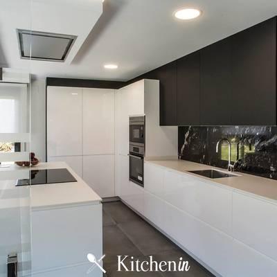 Projeto remodelação de cozinha black and white