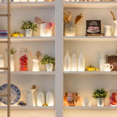 6 formas de organizar uma cozinha sem armários