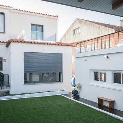 Intervenções exteriores e interiores de um imóvel (T4) em Sintra