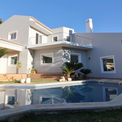 Remodelação de moradia com piscina