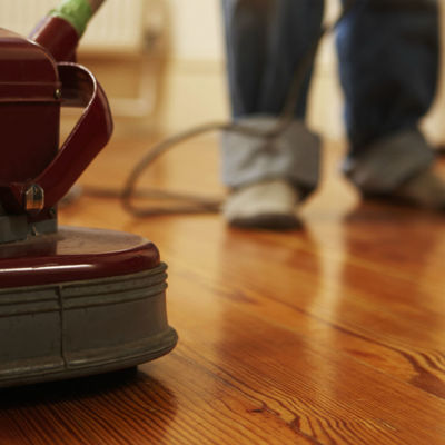 Limpeza sem erro: aprenda a limpar corretamente 8 tipos de pisos